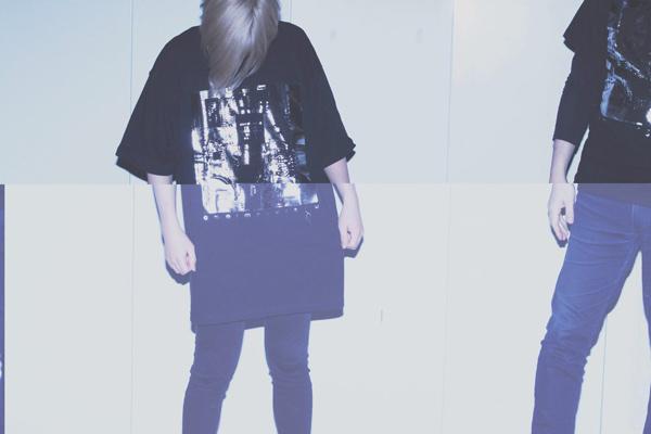 artist omoimegurasu<br>基盤ビッグTシャツ